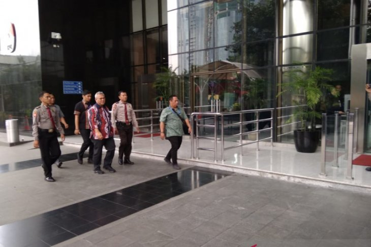 Ketua KPU Arief Budiman dan Komisioner Viryan Azis penuhi panggilan KPK