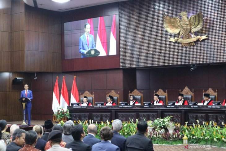 Jokowi concedes to Indonesia being encumbered by umpteen regulations