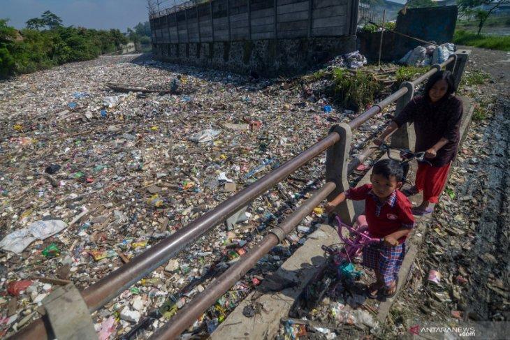 Kurangi sampah DAS Citarum, KLHK resmikan penggunaan PDU Subang dan Bekasi