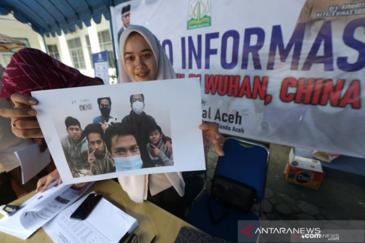 Aceh government transfers Rp50-million aid for its students in Wuhan
