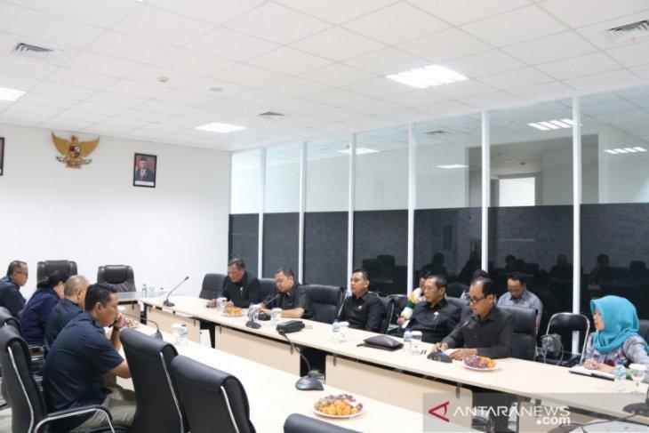 Komisi III kunjungi Bandara Syamsudin Noor