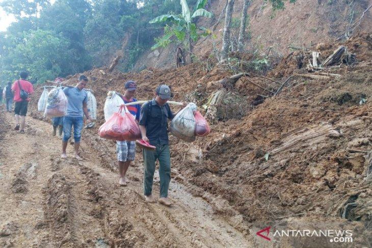 8.100 warga Desa Cileuksa Bogor siap direlokasi