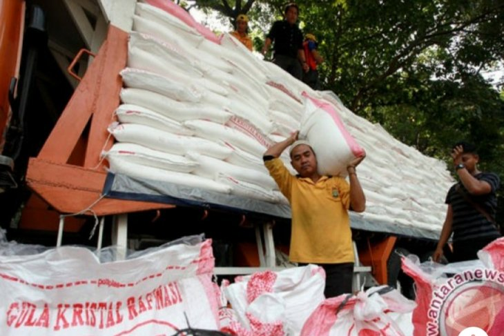 Bulog suggests sugar imports to stabilize domestic prices