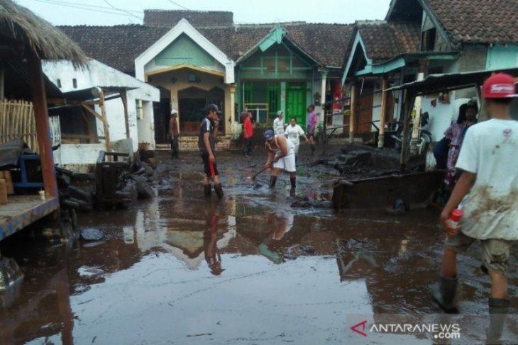 Banjir bandang kembali menerjang ratusan rumah di Bondowoso