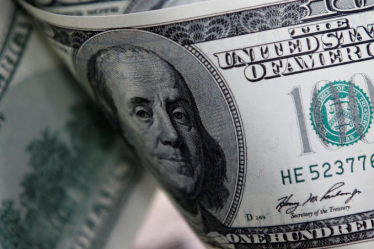 Dolar jatuh, penurunan suku bunga Fed gagal dorong selera  risiko