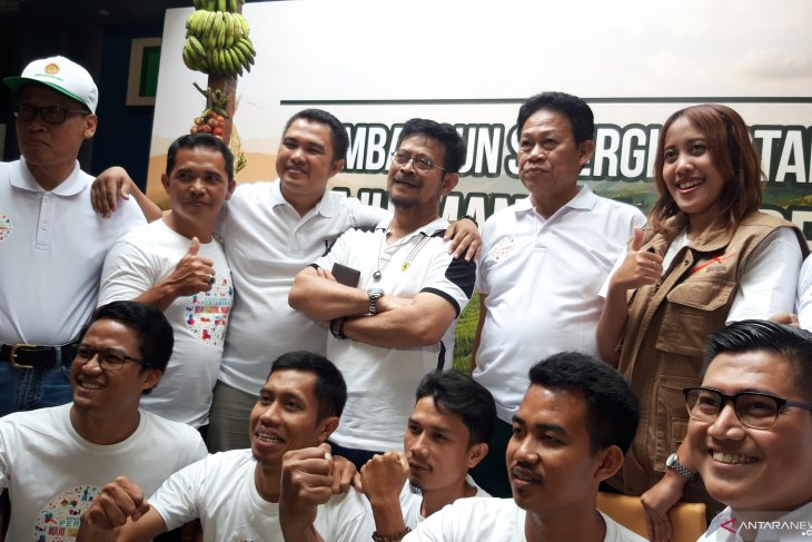 Minister invites millennials to become farmers, agripreneurs