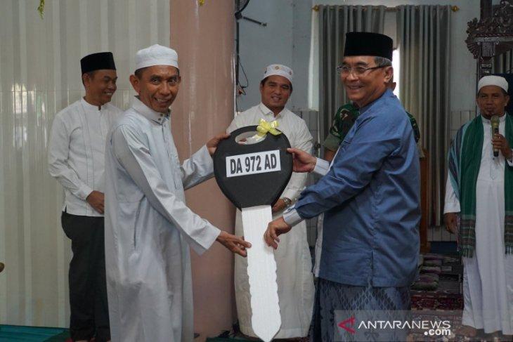 Bupati HSS bantu ambulance untuk Masjid Assa'adah Taniran Kubah