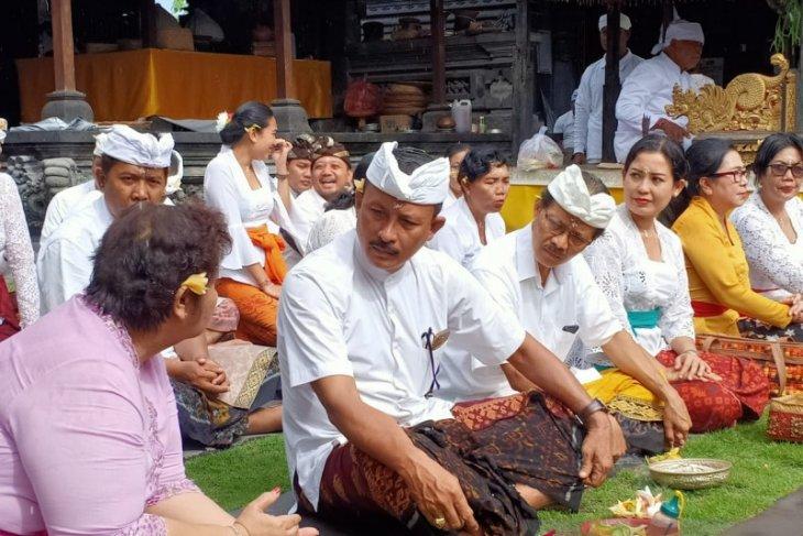 Dinpar Bali adakan persembahyangan doakan wabah virus corona cepat reda