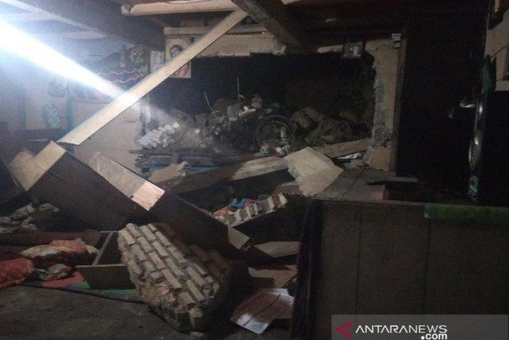 Tanah longsor tewaskan seorang anak di Taput, Ibunda: Alamat aroma menyengat bebungaan memenuhi rumah