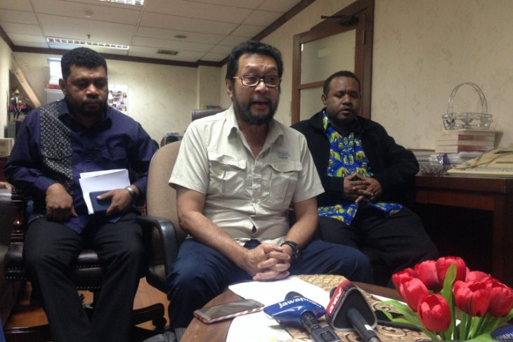 Yorrys: Libatkan lembaga formal tangani masalah Papua