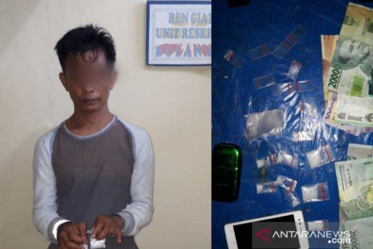 Polsek STR Tanjungbalai tangkap pengedar sabu di rumah sewa