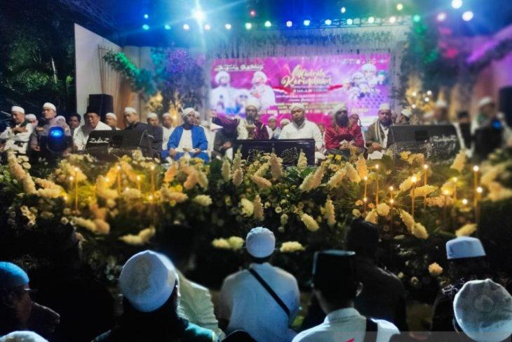 Ribuan umat muslim Situbondo doakan pilkada damai