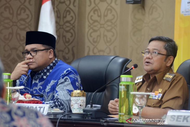 Indra Yasin minta UNG buka Fakultas Pendidikan Kepala Desa