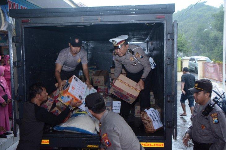 Polres Situbondo kirim bantuan logistik terdampak banjir bandang di Bondowoso