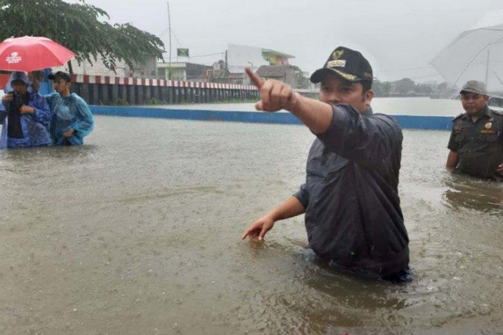 Floods swamp Tangerang City, Banten