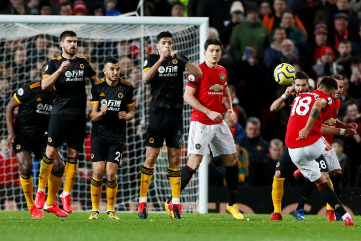 Debut Fernandes, MU ditahan imbang tanpa gol oleh Wolves