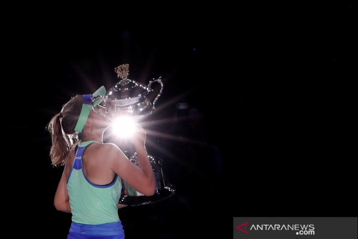 Petenis AS Sofia Kenin dinobatkan sebagai pemain terbaik WTA tahun ini