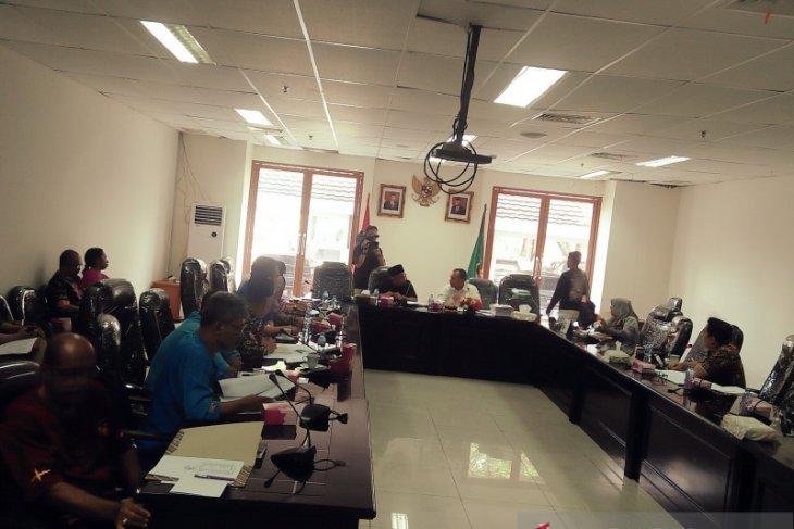 Dinkop dan UKM Provinsi Maluku salurkan dana bergulir Rp12 miliar