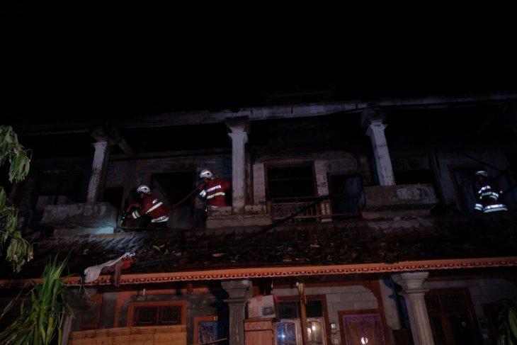 19 kamar kos di jalan Raya Bypass terbakar