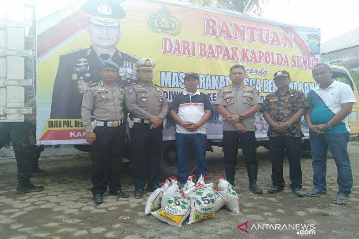 Kapolres Tapteng serahkan bantuan Kapolda Sumut untuk korban banjir