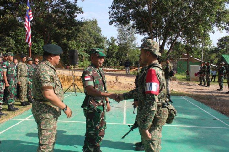 Tentara Indonesia - Malaysia gelar patroli bersama di batas negara