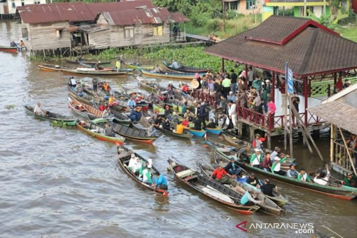 Taking a closer glimpse at river agrotourism in Banjarmasin