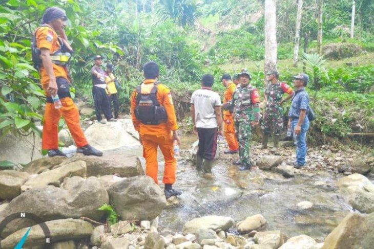 Korban terseret arus di Nias Selatan belum  ditemukan
