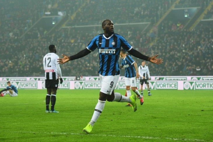 Dwigol Lukaku antar Inter kembali ke peringkat kedua