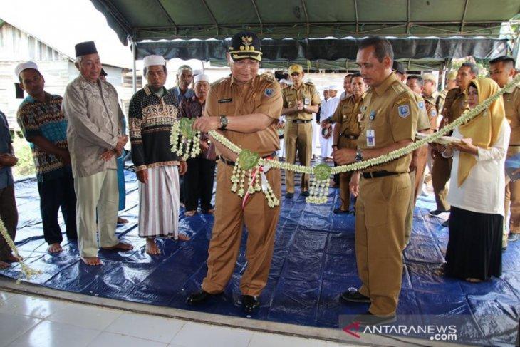 Bupati HSS resmikan lumbung pangan dan lantai jemur Poktan Berkah Bersama
