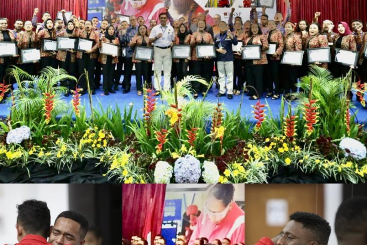 Penyerahan Sertifikat Keahlian Teknisi Migas Kepada Putra- Putri Asli Papua