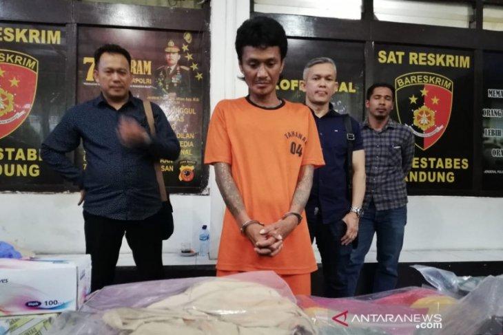 Seorang juru parkir di Bandung membunuh PSK