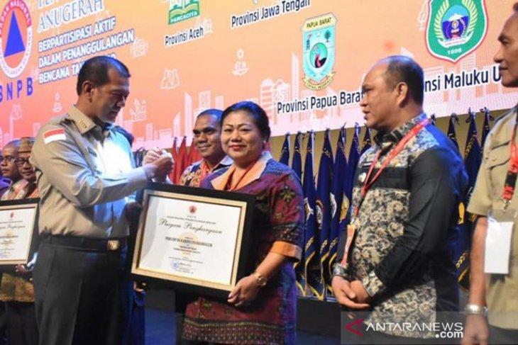 Pemkab Karangasem terima penghargaan BNPB 2019