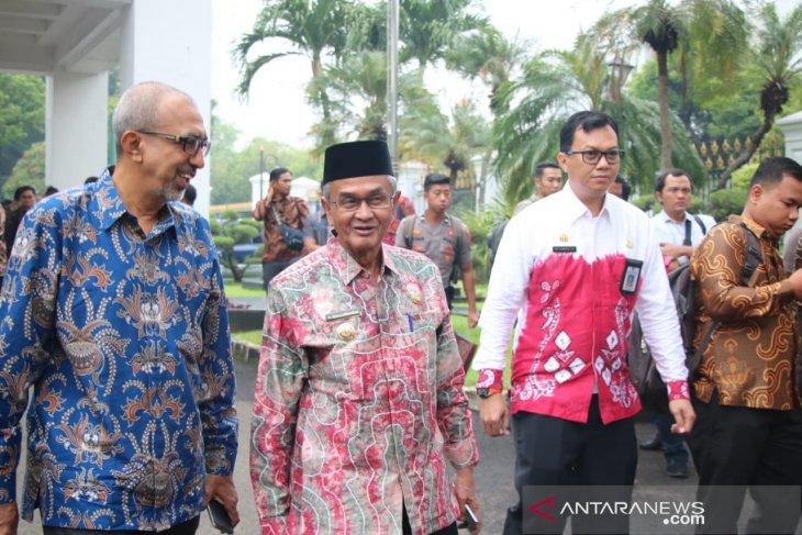 Presiden Jokowi pimpin rakornas pengendalian karhutla di Istana Negara