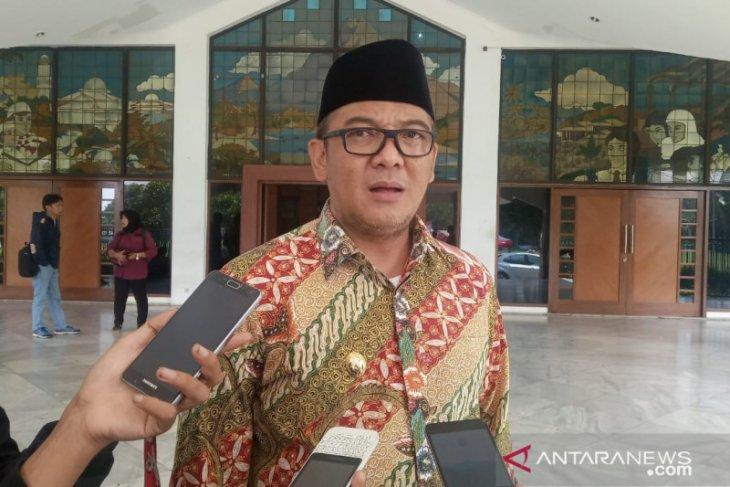 Wabup Bogor instruksikan Disdukcapil ngantor di Sukajaya