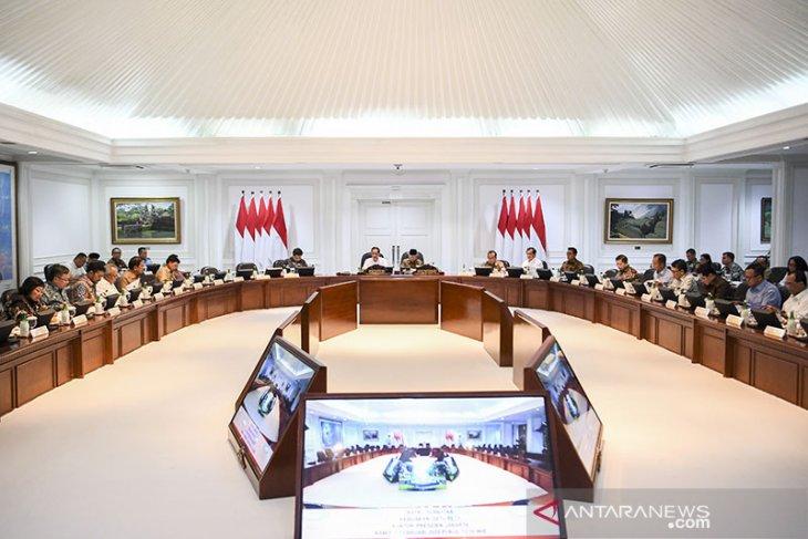 Menteri-menteri Jokowi diminta fokus bantu pemerintah