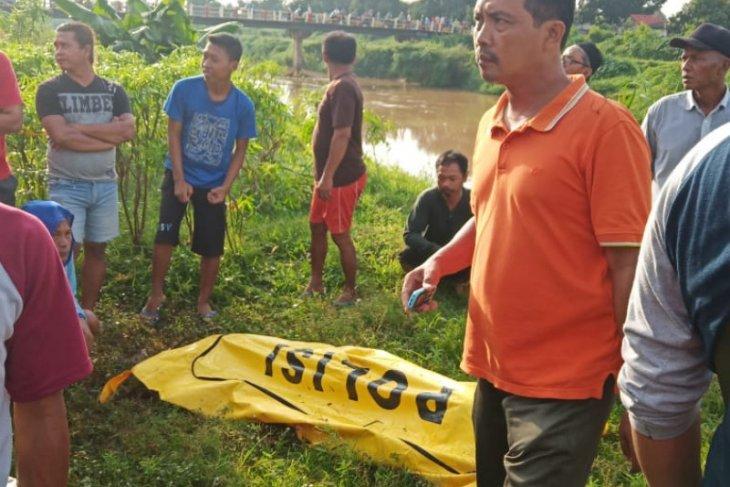 Sopir Grab ditemukan tewas di saluran irigasi