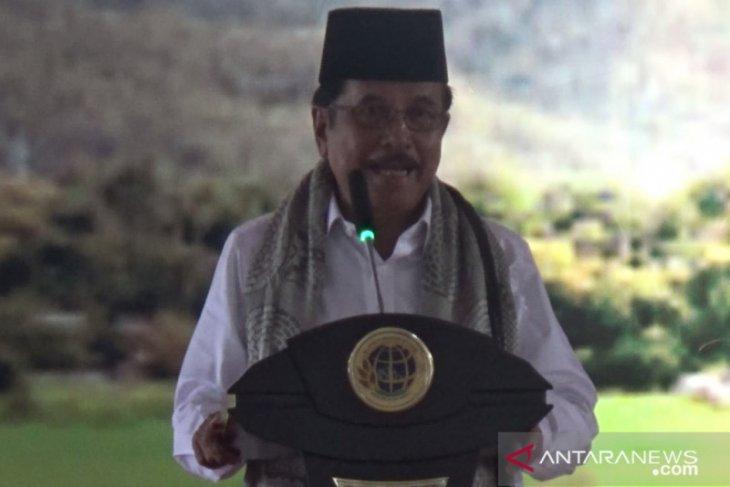 Sofyan Djalil serahkan 1.200 sertifikat tanah di Sukabumi