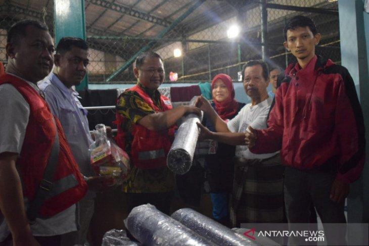 PMI salurkan paket bantuan untuk korban banjir di Kota Tangerang