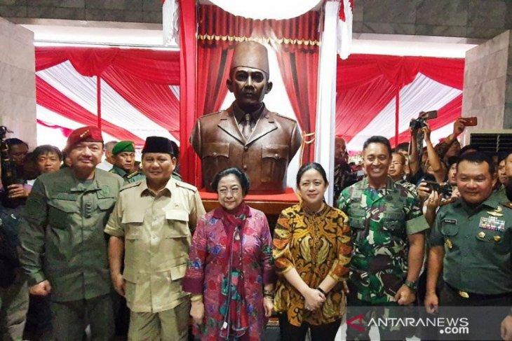 Menhan Prabowo ingin buat patung Bung Karno naik kuda
