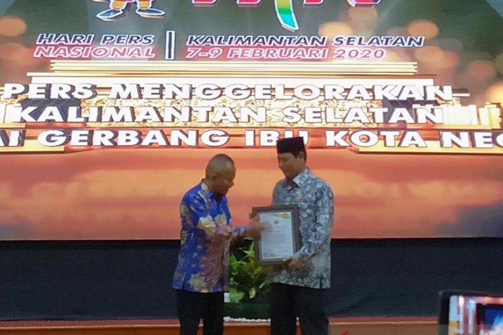 PWI angkat Gubernur Kalsel anggota kehormatan pada puncak HPN
