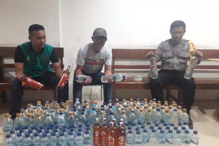 Jayapura port's police seize 157 bottles of liquor from MV Labobar