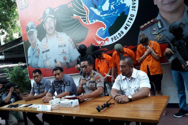 Drug dealer in Jakarta orders cocaine through social media platforms