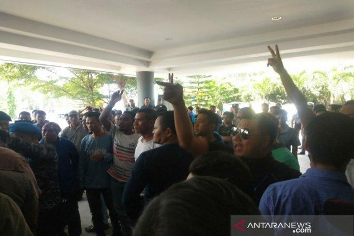 Kubu Mulfachri dan Zulkifli nyaris bentrok pada Kongres PAN