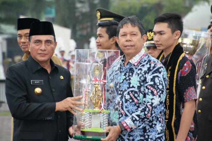Wali Kota Pematangsiantar pembina kecamatan terbaik tingkat Sumut