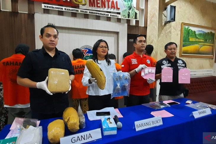 7 arrested drug dealers maybe from big syndicates