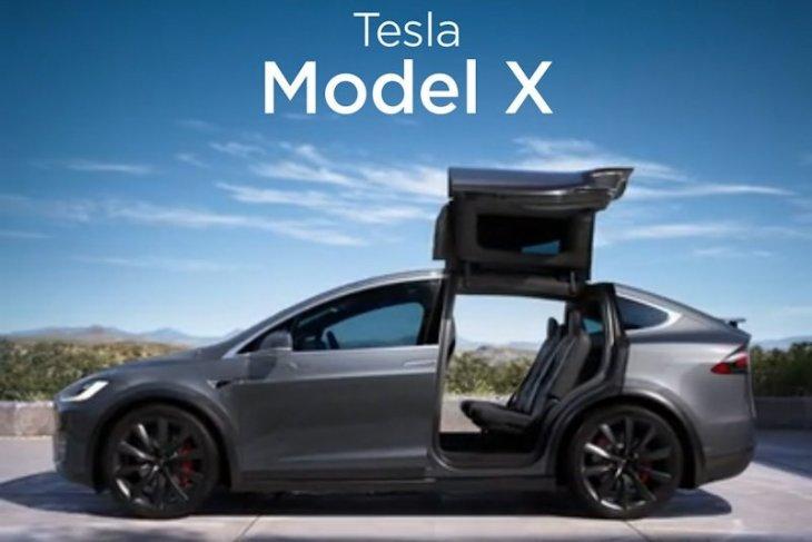 Penarikan 15 ribu Tesla model x karena