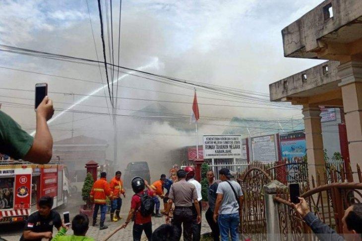 16 senjata api terbakar dalam kericuhan di Rutan Kabanjahe