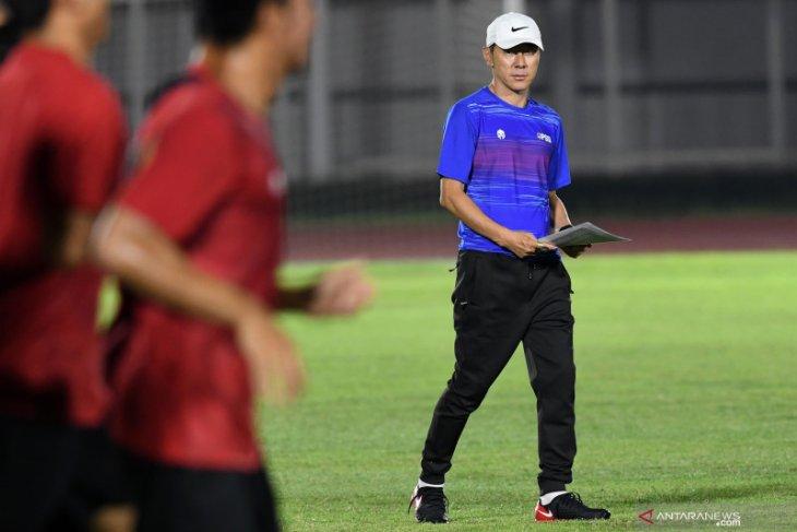 Bima Sakti: Shin Tae-yong pantau fisik timnas U-16 tidak secara langsung