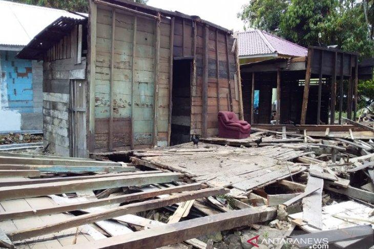 Tiga rumah dirusak di Pahae Jae, Nelson Gultom gol, dua temannya diburu polisi