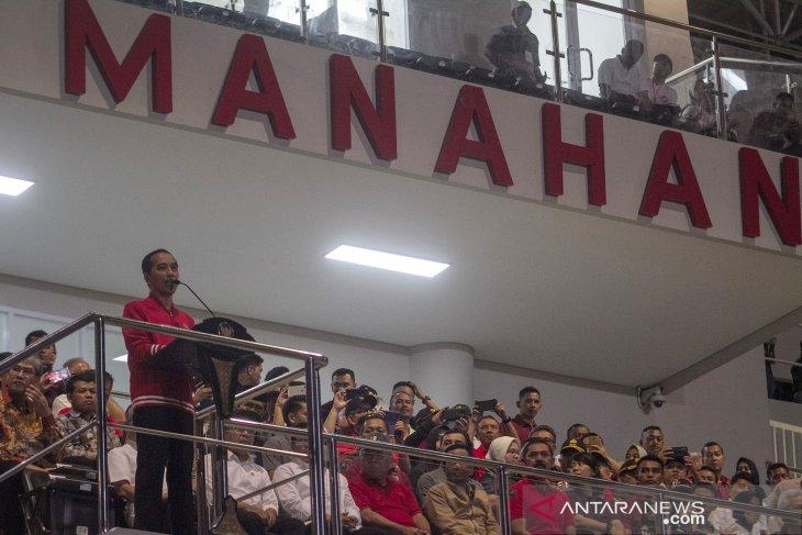 Jokowi inaugurates Manahan Stadium in Solo, Central Java